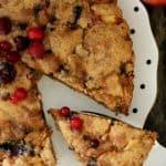 עוגת תפוחים ופירות יער