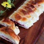רולדת שמרים קרם גבינה ודובדבנים