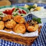 מתכון לבואיקוס – לחמניות גבינה מטריפות הישר מיוון